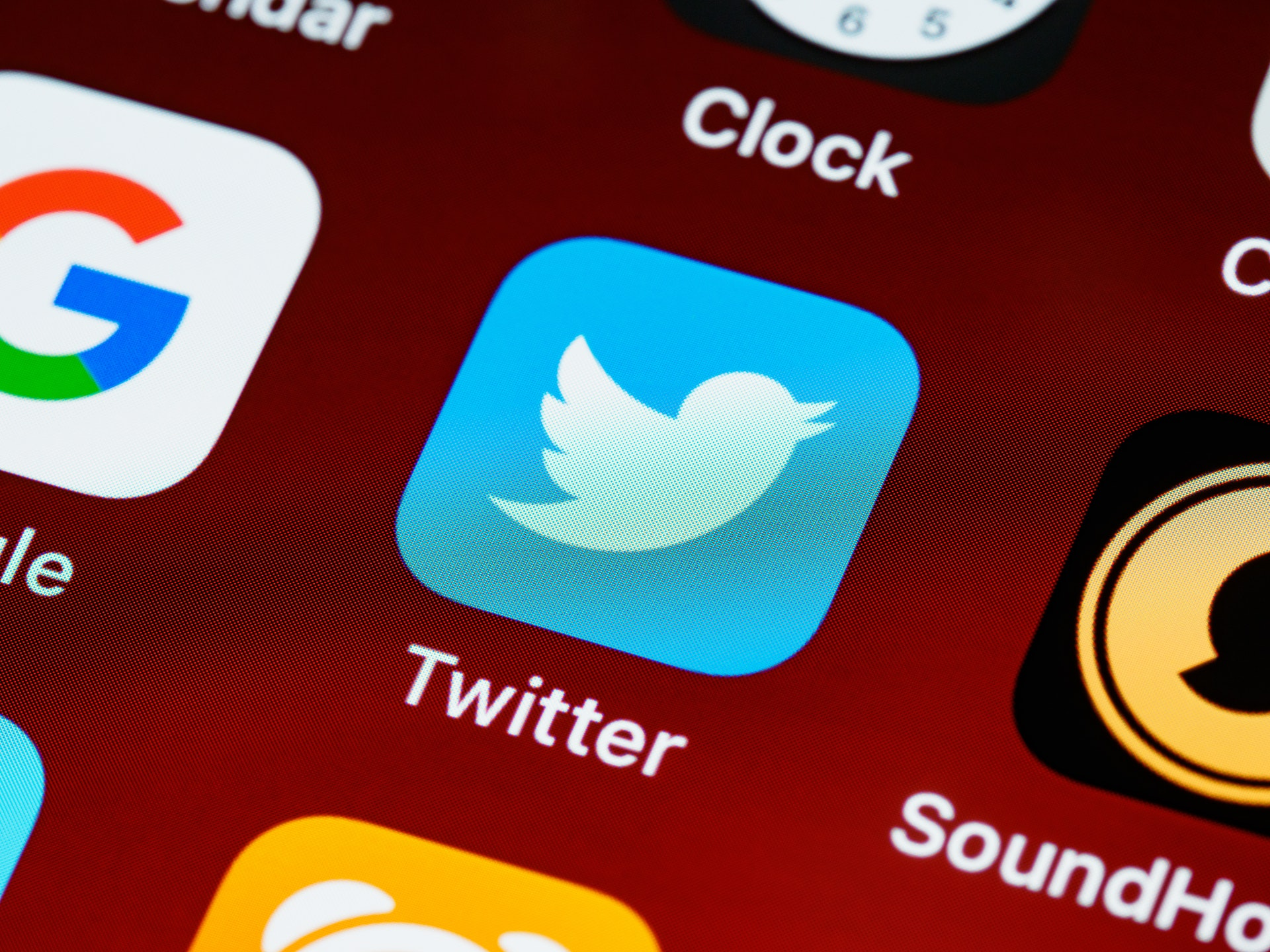 Sell Your Services or Products Using Twitter