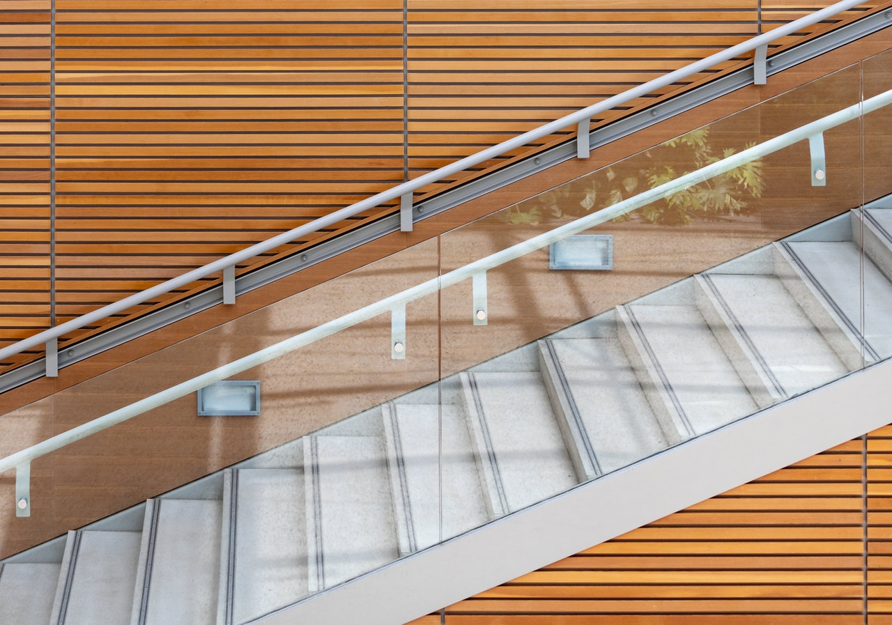 A Guide to the Different Types of Balustrades Available Online