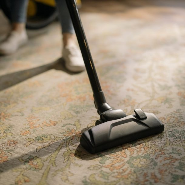 How to Clean Carpets in the House: Tips and Do-It-Yourself Remedies