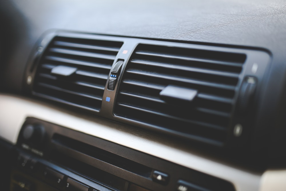 3 Reasons Why Your Car's Air Conditioner Is Blowing Hot Air