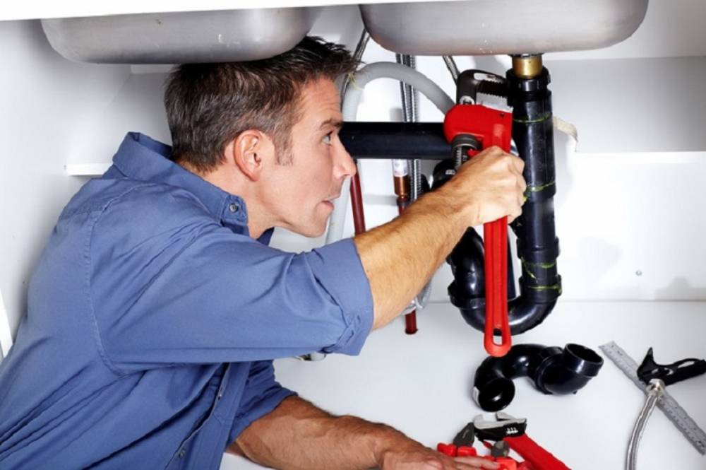 Factors to Consider When Choosing a Blocked Drain Plumber