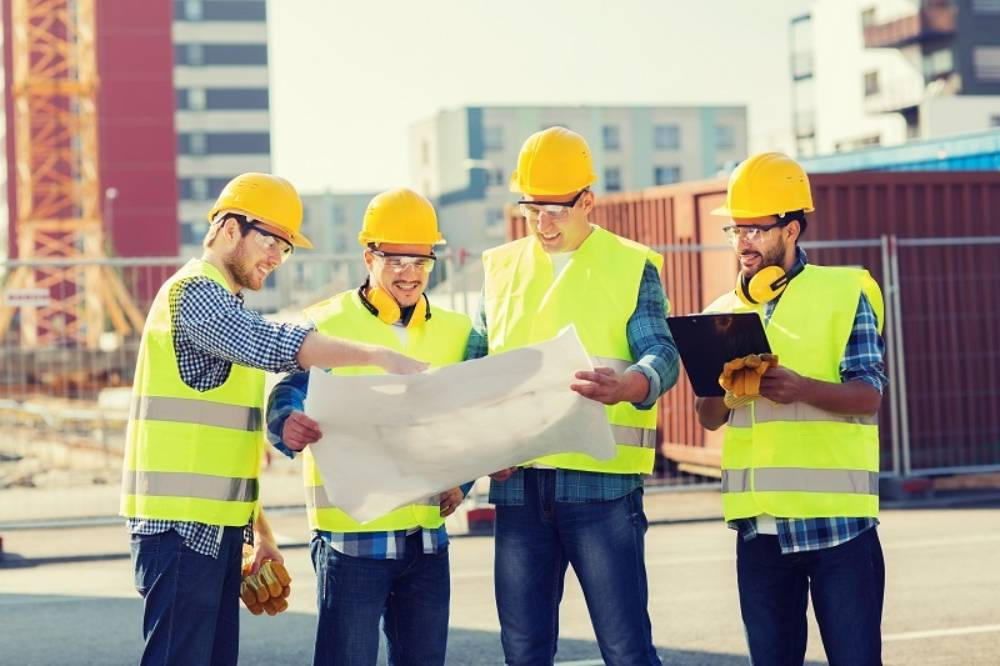 6 Ways in Which HI Vis Vest Can Act Beneficial for Workers