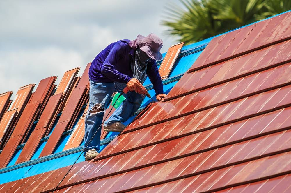 How to Find a Company for Commercial Roof Repairs
