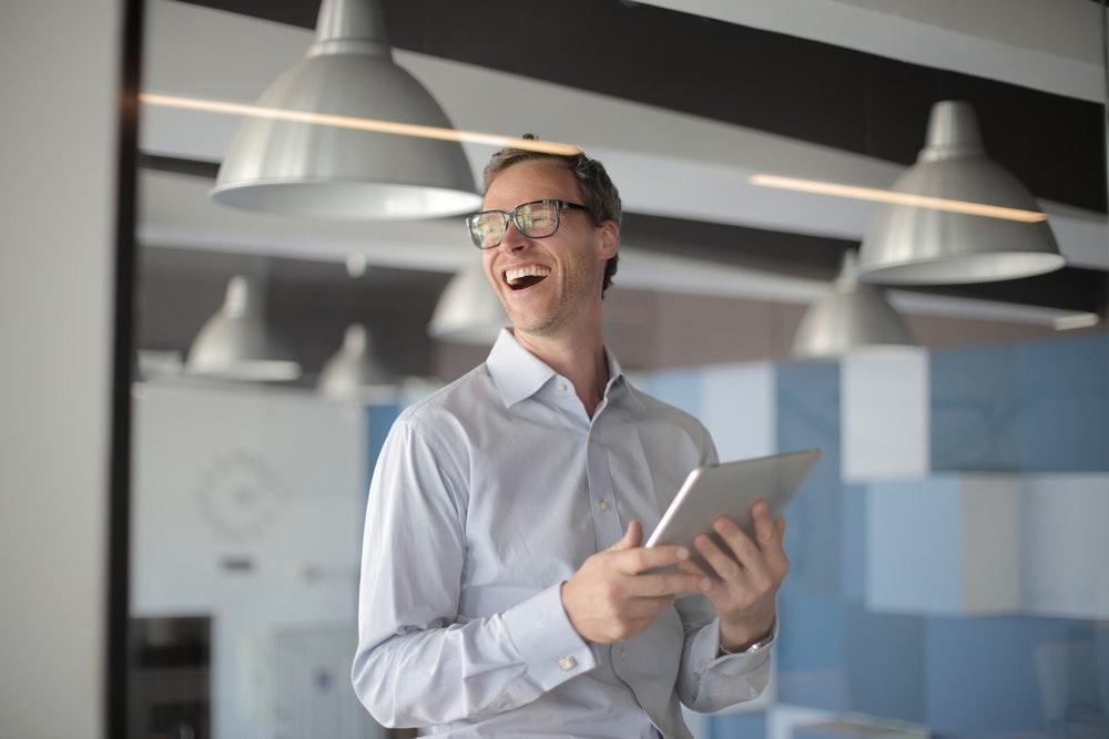 Happy Sales People Are High-Performing Sales People